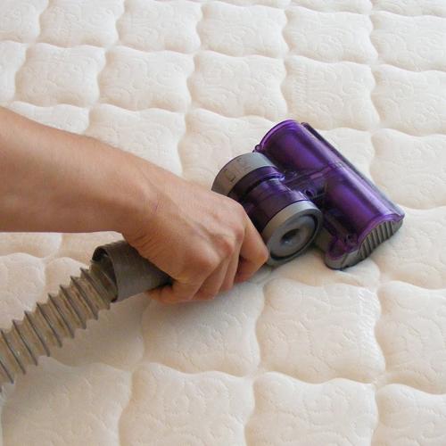Mattress-Cleaning-Dust-&-Pollen-dix-hills-new-york